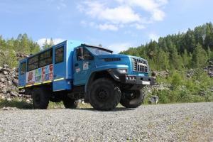 В мае 2020 года исполняется 20 лет выпуску автозаводом «Урал» вахтовых автобусов